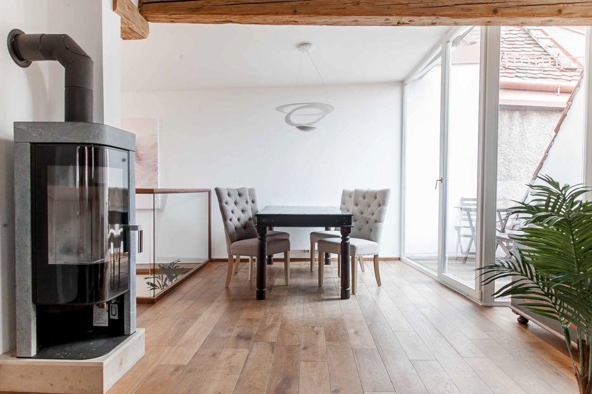 Darebell Apartment